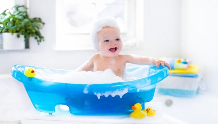 Bebeklerde Banyo Eğitimi