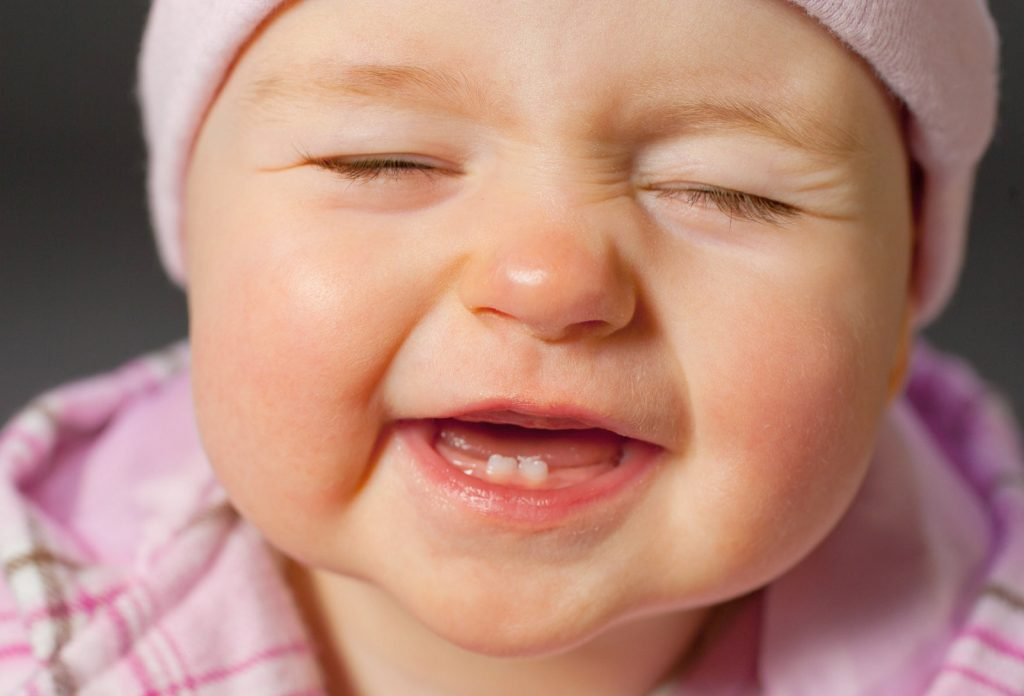 diş çıkaran bebek