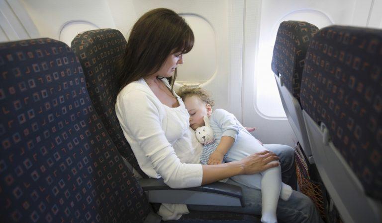 Bebekle uçak yolculuğu zor değil!