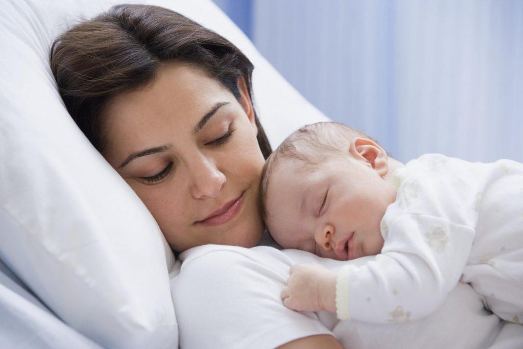 anne sevgisi, yenidoğan