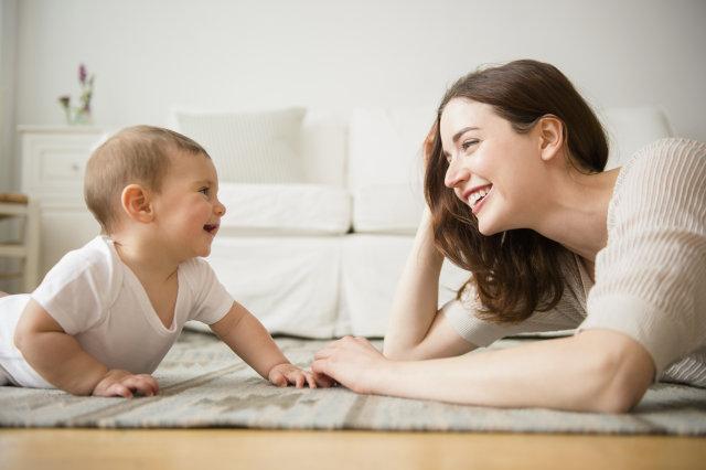 Bebeğinizin istek ve ihtiyaçlarına dikkat edin.