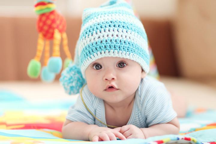 bebeği giydirmek, yenidoğan