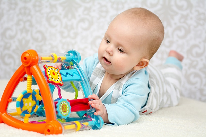 bebeğin sosyal ve duygusal gelişimi