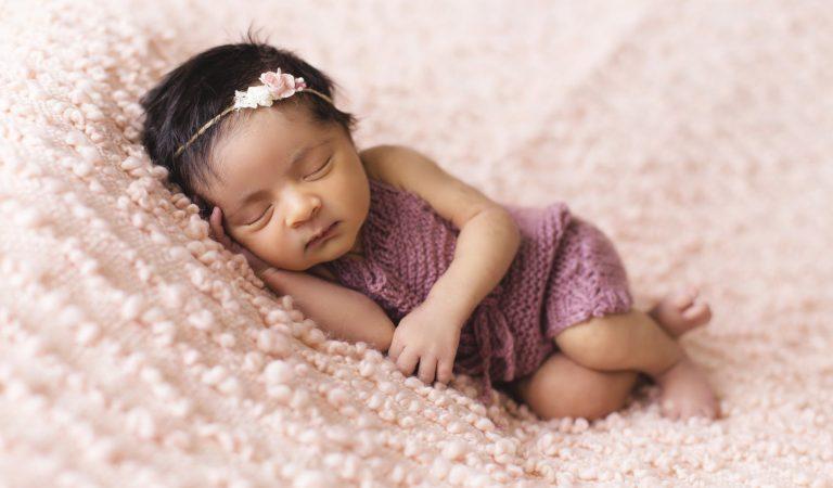 Bebeklerin Uyumasına Yardımcı Olacak 8 Ürün